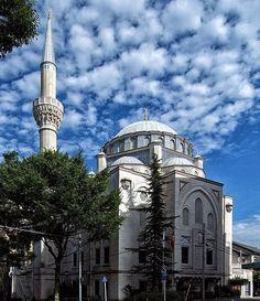 The Tokyo Masjid ::Islamic Arts and Architecture http://islamic-arts.org/2012/the-tokyo-masjid/