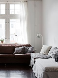 my scandinavian home: The lovely serene home of a Swedish singer Living Room Interior, Home Living Room, Living Spaces, World Decor, Solid Wood Dining Chairs, Scandinavian Living, Architecture, Decoration, Home Furniture