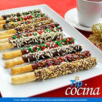 Palitos de pan navideños.  ¿Quieres ofrecer a los niños un dulce hecho en casa o…