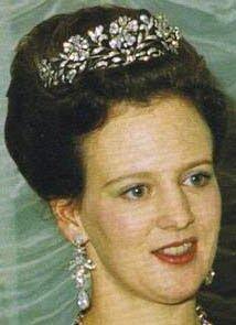Tiara Mania: Diamond Floral Tiara worn by Queen Margrethe of Denmark Royal Crowns, Royal Tiaras, Tiaras And Crowns, Denmark Royal Family, Danish Royal Family, Princess Marie Of Denmark, Queen Margrethe Ii, Danish Royalty, Royal Queen