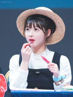 Oh My Girl Yooa, Cute Korean Girl, Small Faces, Asian Beauty, Korean Beauty, Supergirl, Girl Group, Hair Beauty, Kpop