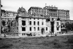 Attila, bottom of the Royal Palace (Budapest, Old Pictures, Old Photos, Buda Castle, Street House, Royal Palace, Budapest Hungary, Historical Photos, Places To Go, Louvre