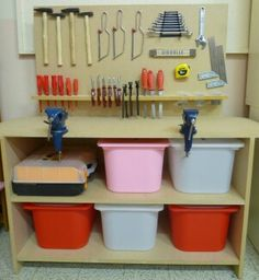 Let the children play: ideas for a woodworking area in kindergarten Play Spaces, Learning Spaces, Woodworking Projects For Kids, Wood Projects, Tool Bench, Room Setup, Kids Corner, Lessons For Kids, Kids House