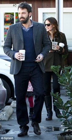 Jennifer Garner and Ben Affleck Jennifer Garner Elektra, Jennifer Garner Ben Affleck, Ben And Jennifer, Famous Couples, Models Off Duty, Best Couple, Cute Couples, Style Icons, Beautiful People