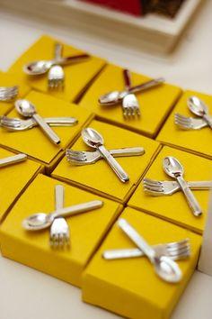 Caixinhas decoradas para cozinha em festa criativa - Bhruna - 10 anos