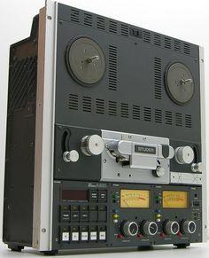 Studer A810 Tape Machine - www.remix-numerisation.fr - Numérisation Transfert Duplication Sauvegarde de souvenirs audio et Vidéo