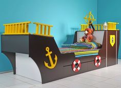 Pirate ship bed, Pirate ships and Pirates on Pinterest