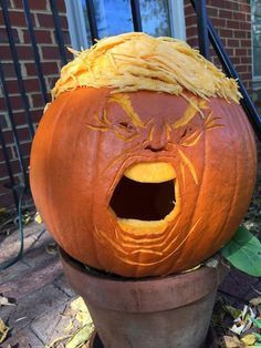 Make Halloween horrifying again by carving Trumpkins! These Trumpkins -- Halloween Jack-o'-lanterns of Donald Trump -- are both topical and creepy. Funny Kid Memes, Funny Kids, Hilarious, Funny Humor, Funny Stuff, Funny Halloween Memes, Mexican Funny Memes, Lol Memes, Terrifying Halloween