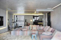 Apartment designed by Studio Guilherme Torres - www.guilherme.torres.com
