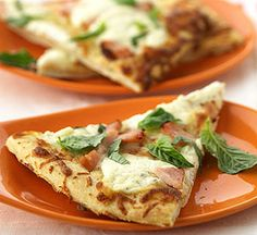 White Pizza with smoked turkey.