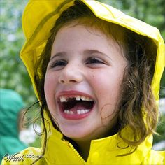 Looks-Like-Language! What do you think she is happy about? What makes you happy? Daily Writing Prompts, Writing Classes, Writing Workshop, Kindergarten Writing, Writing Activities, Literacy, Inference Pictures, First Grade Teachers, Self Regulation