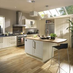 Harvey Jones Shaker Kitchen Painted In Farrow Ball 39 French Grey 39 With Oak And Zimbabwe