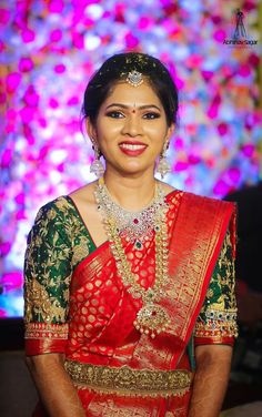 Find a variety of latest blouse designs 2020 photos for bride & women at Shaadidukaan. Here you will get a large collection of designer bridal blouses designs you have never seen before. Pattu Sarees Wedding, Wedding Saree Blouse Designs, Pattu Saree Blouse Designs, Indian Bridal Sarees, Half Saree Designs, Bridal Silk Saree, Fancy Blouse Designs, Indian Bridal Fashion, Indian Jewellery Design