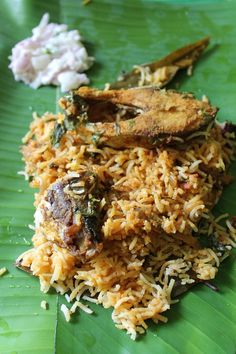 Fish Biryani This is a traditional Dum Style Fish Biryani which is cooked on steam. The slow cooking method helps to bring out the aromas of the spices and makes the fish perfectly tender. Curry Recipes, Veggie Recipes, Fish Recipes, Seafood Recipes, Indian Food Recipes, Asian Recipes, Cooking Recipes, Slow Cooking, Veggie Food
