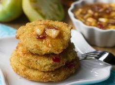 Fried Green Tomatoes with Peach Pepper Jelly Sauce