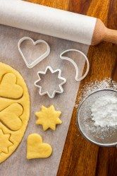 An Excellent Tutorial on How to Make Sugar Cookies from Scratch Easter Chocolate, Christmas Chocolate, Christmas Cookies, No Bake Cookies, Cookies Et Biscuits, Oatmeal Biscuits, Cinnamon Biscuits, Easy Cookie Recipes, Recipes