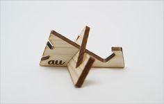 Mobile stand KDDI laser cut in cedar thinning of Japan designed by Yuko Noguchi Coffee Tray, Mobile Stand, Laser Cutter Projects, Japan Design, Laser Cut Wood, Kirigami, Paper Cutting, Cnc, Cardmaking