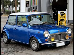 Beautiful lil Mini at the pumps this FILL IT UP FRIDAY!