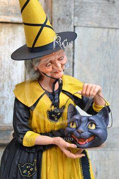 Original artwork created by Scott Smith of Rucus Studio © 2020 Halloween Cat, Vintage Halloween, Halloween Pumpkins, Halloween Goodies, Halloween Ideas, Dracula, Cat Costumes, Halloween Costumes, Scott Smith