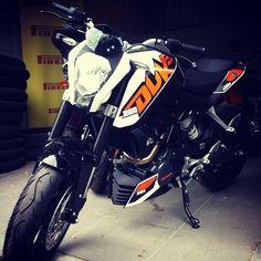 it's mine :) _ ktm duke 200