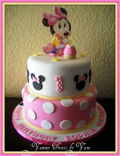 Baby Minnie 1st Birthday Cake, how gorgeous is this!!