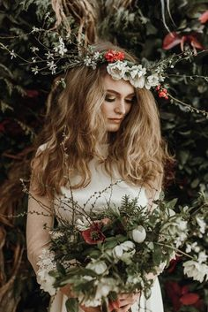 Organic Flower Crown & Bouquet | Botanical Inspiration Shoot | Styling by Once Upon a Wedding | Mariola Zoladz Photography