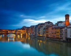 Florence - Μια πόλη-θησαυρός με παλάτια, υπέροχα κτήρια, ρομαντικές γέφυρες και γωνιές που σε ταξιδεύουν πίσω στο χρόνο. Αν βρεθείτε για πρώτη φορά στη Φλωρεντία να τι πρέπει να κάνετε: