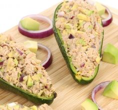 Try our range of delicious keto lunch ideas for weight loss. Keto meals don't have to be tasteless and boring. Enjoy these satisfying keto lunch recipes while on your low-carb ketogenic diet. Healthy Tuna Salad, Avocado Tuna Salad, Healthy Junk, Healthy Lunches, Healthy Foods, Healthy Eating, Healthy Recipes, Keto Meal Plan, Diet Meal Plans