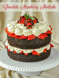 Easy Chocolate Straw Easy Chocolate Strawberry Shortcake - with only 20 minutes preparation time! Easy quick gorgeous and delicious; the perfect time saver dessert anytime! Chocolate Strawberry Cake, Strawberry Cakes, Chocolate Strawberries, Strawberry Recipes, Chocolate Desserts, Chocolate Strawberry Shortcake Recipe, Strawberry Shortcake Birthday Cake, Chocolate Cube, Covered Strawberries