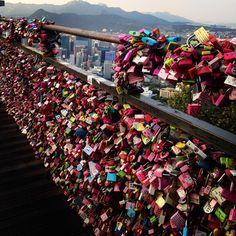 Terceira cidade, zero cadeado (tô ficando boa nisso)  #instagood #instatraveling #southkorea #seoultower #love #seoul