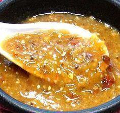 Salsa sencilla de chile morita -- buenísima para acompañar carnes, quesadillas, etc. // Chile morita table sauce, a wonderful accompaniment to grilled or roasted meats, quesadillas, etc.   https://lomejordelaweb.es/