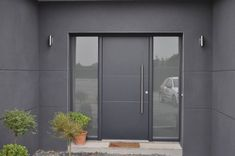 Searching for modern front design ideas? Live Enhanced brings a collection of modern front door design ideas that will give your house/office an attractive look. Modern Entrance Door, Modern Front Door, House Front Door, Front Door Design, House Doors, Facade House, Entrance Doors, Painted Exterior Doors, Modern Exterior Doors