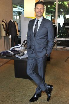 Ryan Seacrest launches color-coded suit line at Macy's and it's about time! Fashion News, Mens Fashion, Fashion Suits, Business Attire For Men, Men Tv, Ryan Seacrest, Sharp Dressed Man, Classic Man, Suit And Tie