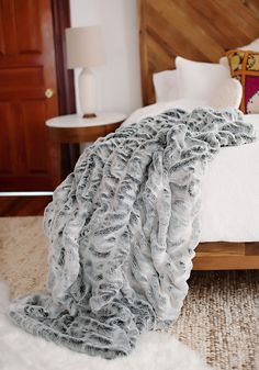 Luxury Fur, Faux Fur, Fur Throws, Faux Fur Throws, Faux Fur Throw