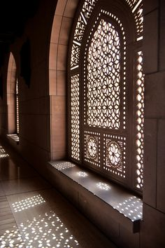 This architecture got me sayin' OHMAN! I would love to have something like this in my home. Its absolutely glorious. [Sultan Qaboos Grand Mosque - Muscat, Oman]
