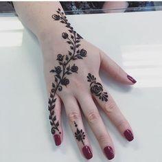 Back Hand Tattoo Mehndi Design Finger Henna Designs, Mehndi Designs 2018, Modern Mehndi Designs, Mehndi Designs For Girls, Mehndi Designs For Beginners, Mehndi Design Photos, Beautiful Henna Designs, Mehndi Designs For Fingers, Simple Mehndi Designs