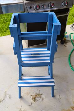 Party Girl to Partly Crunchy Mama: DIY: Toddler Step Stool