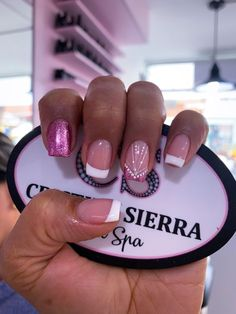 Trendy fails design tips makeup Glitter French Manicure, French Tip Nails, Sassy Nails, Love Nails, Manicure Colors, Nail Colors, Hello Nails, Nail Polish Storage, Fabulous Nails