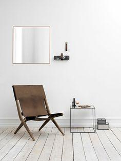 Camping klappstuhl mit tisch  Camping Klappstuhl und weißer runder tisch | Möbel, die nicht zu ...