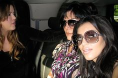 Kim taking a selfie in the car while her sister was going to jail #2 (featuring the jailgoer herself!): | Holy Shit, These Are The Selfies Kim Kardashian Was Taking When She Drove Khloe To Jail
