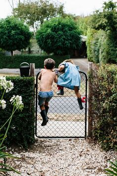 Making their escape ... photo by Tara Pearce for Est Issue 10 / repinned on Toby Designs
