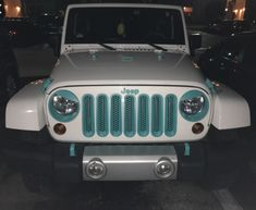 Jeep with blue accentsWhite Jeep with blue accents Jeep Truck, Jeep Jeep, Jeep Wrangler Accessories, Jeep Accessories, Fancy Cars, Cute Cars, My Dream Car, Dream Cars, Pickup Trucks