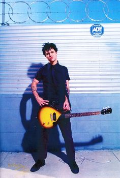 bja Billie Joe Armstrong ❤️ Green Day Pictures: Billie Joe Armstrong Billie the sex god Billie Joe Armstrong, Great Bands, Cool Bands, Green Day Billie Joe, Jason White, American Idiot, Band Photos, Crazy Girls, Paramore