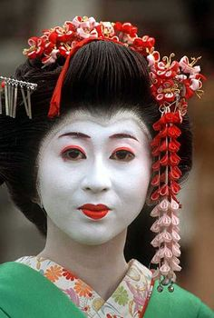 the oldest geisha in japan