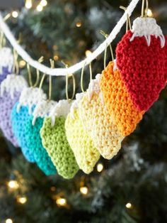 Holiday Lights Garland ~ Free Crochet Pattern - scroll to the bottom of the page