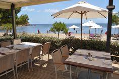 """¿Porque se llaman """"chiringuitos"""" los bares de las playas?    blog.universalplaces.com"""