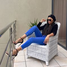 Fridays in Namibia. Dope Fall Outfits, Stylish Outfits, Summer Outfits, Smart Casual Jeans, Classy Casual, Ivy Fashion, Fashion Outfits, Beret Outfit, Black Girl Swag