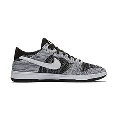 quality design bbf23 36cc9 Amazon.com   NIKE Men s Dunk Flyknit Black White 917746-003 (Size  9)    Fashion Sneakers