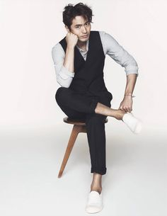 Lee Jin Wook Is Stylish & Up Close For Elle Korea's May 2014 Issue | Couch Kimchi