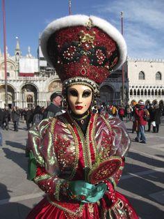 Venetian Carnival Masks, Carnival Of Venice, Masquerade Masks, Carnivals, Beautiful Mask, Carnival Costumes, Shades Of Red, Elizabeth Ii, Venice Italy